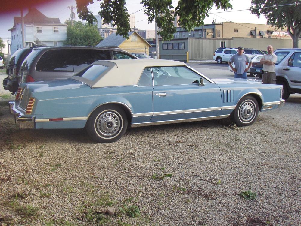 Lincoln Continental Mark V (3/6)