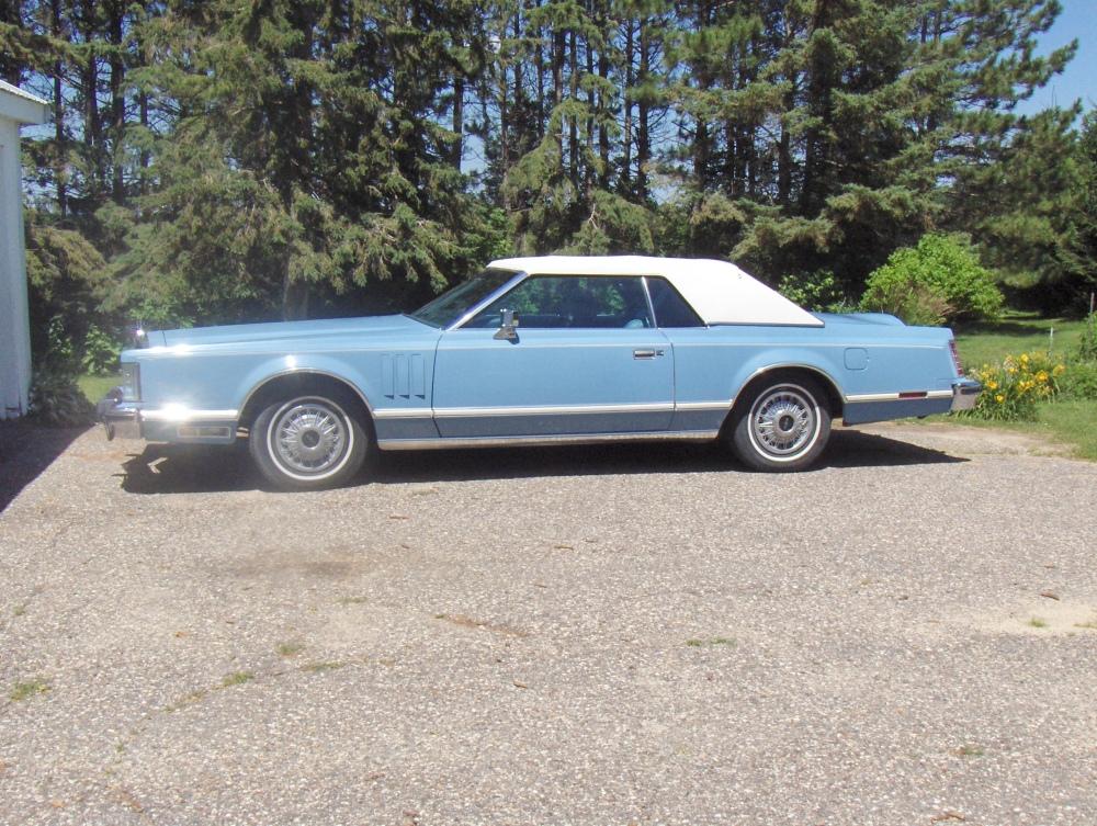 Lincoln Continental Mark V (6/6)